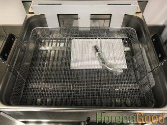 Nieuwe oliebollen visbak friteuse