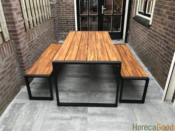 Horeca buiten outdoor meubilair industriële tafel met banken 1